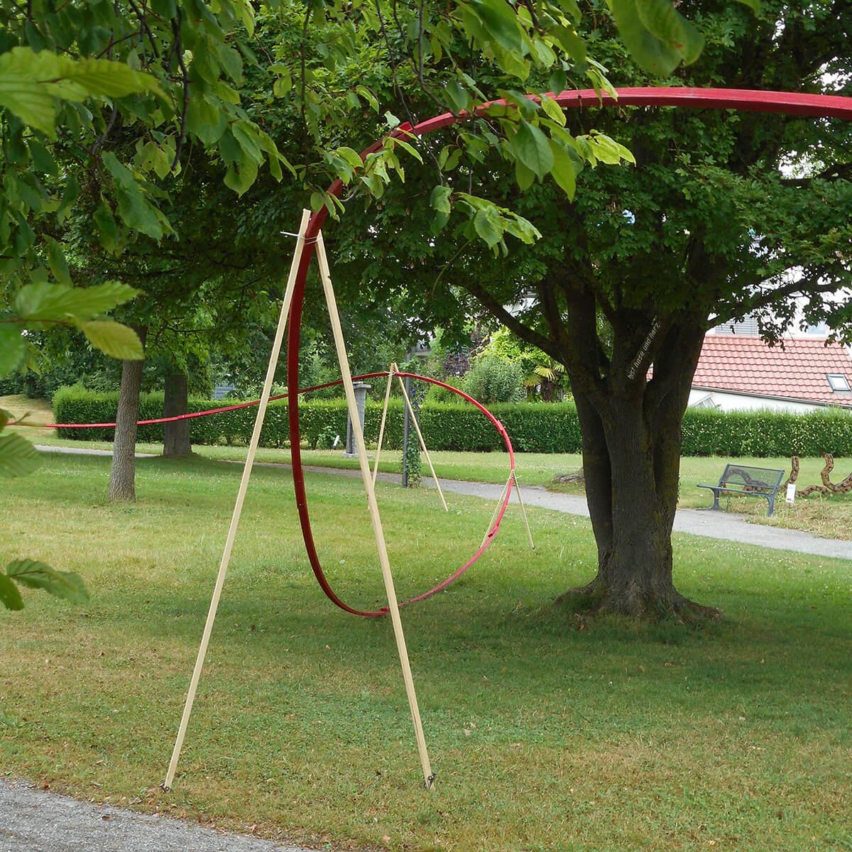 Barbara Jäger OMI Riesterer Gemeinsame öffentliche Werke Die rote Linie Skulpturen Ausstellung Allensbach