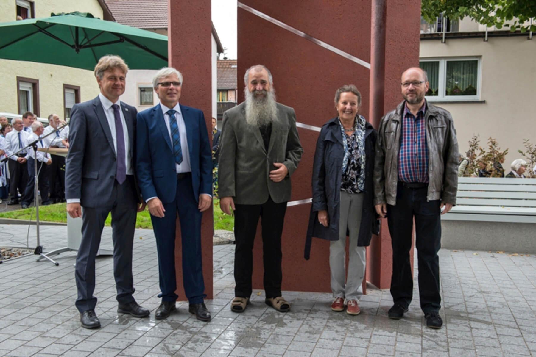 Barbara Jäger OMI Riesterer Gemeinsame öffentliche Werke Waldenser Denkmal Karlsruhe Palmbach Frank Mentrup