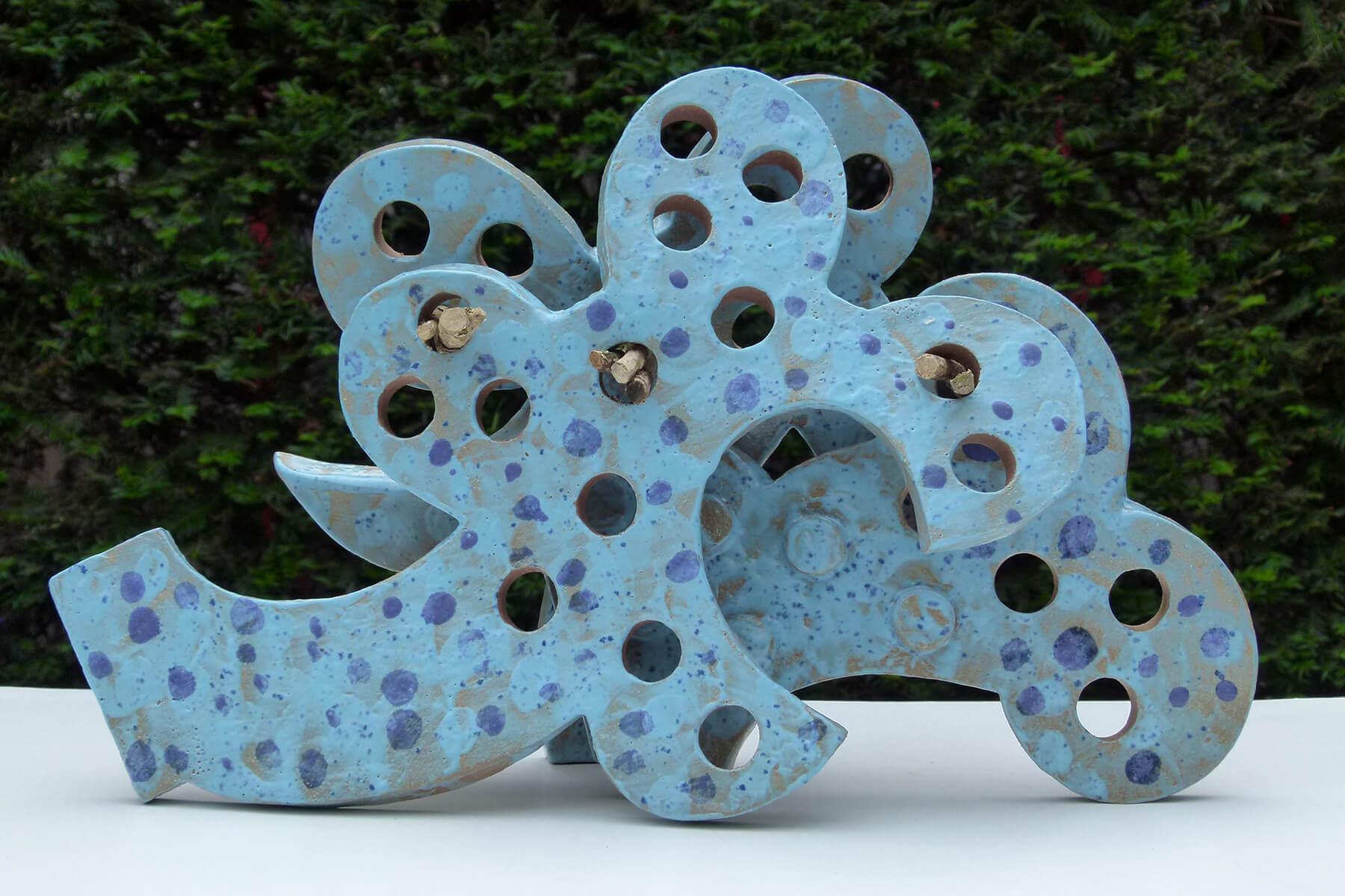 Barbara Jäger Skulpturen Drei Flügel Keramik Buxbaum