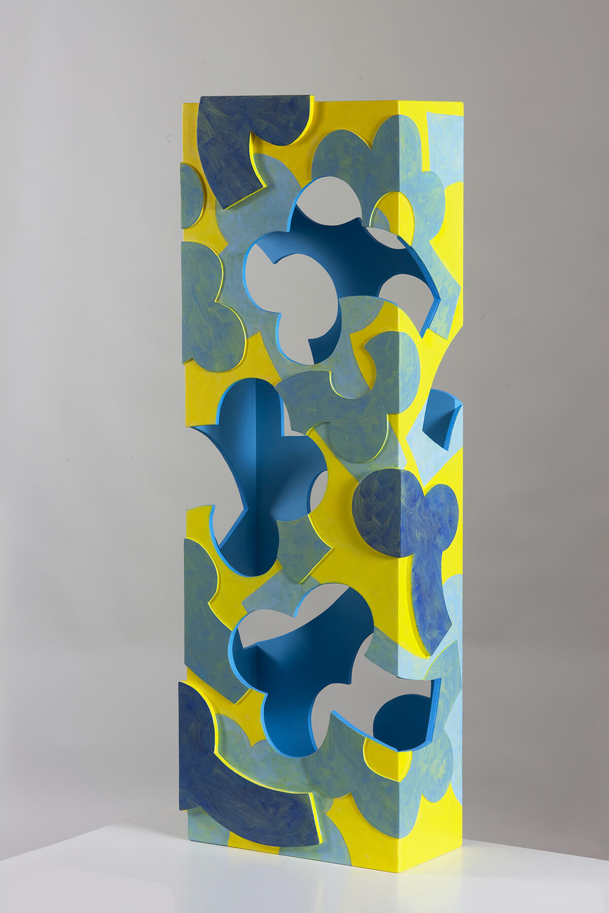 Barbara Jäger Skulpturen Gelb Blau Stele Holz Acryl
