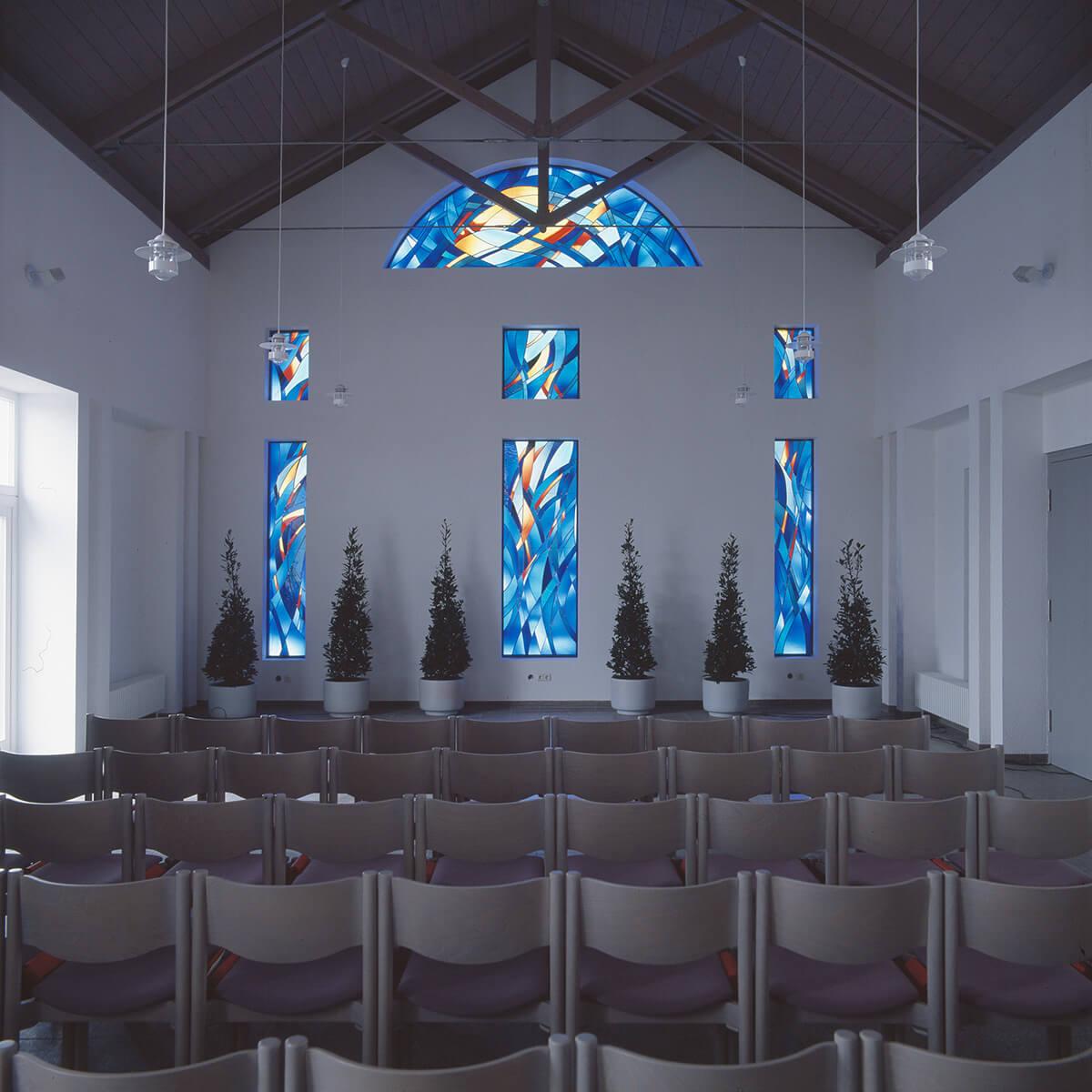 Barbara Jäger Malerei Skulptur Karlsruhe Glasfenster Aussegnungshalle Durlach