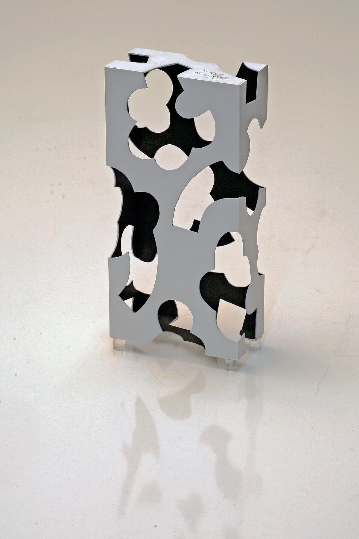 Barbara Jäger Skulpturen Hohe Kleine Wand Kunststoff Acryl
