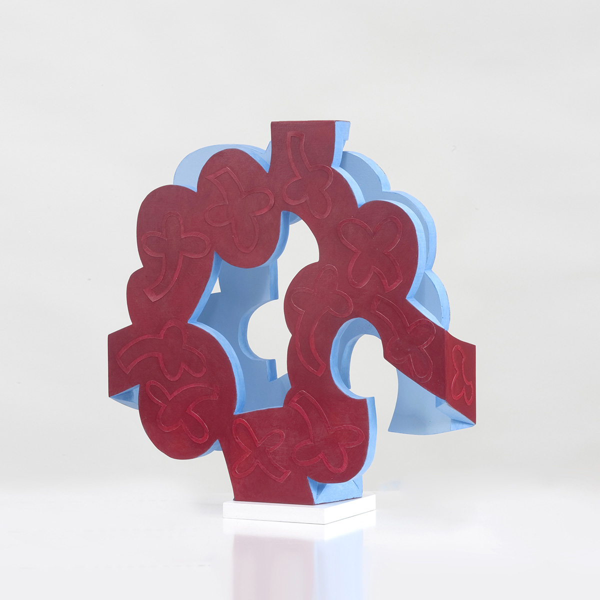Barbara Jäger Skulpturen Rot auf Rot Holz Acryl Karton