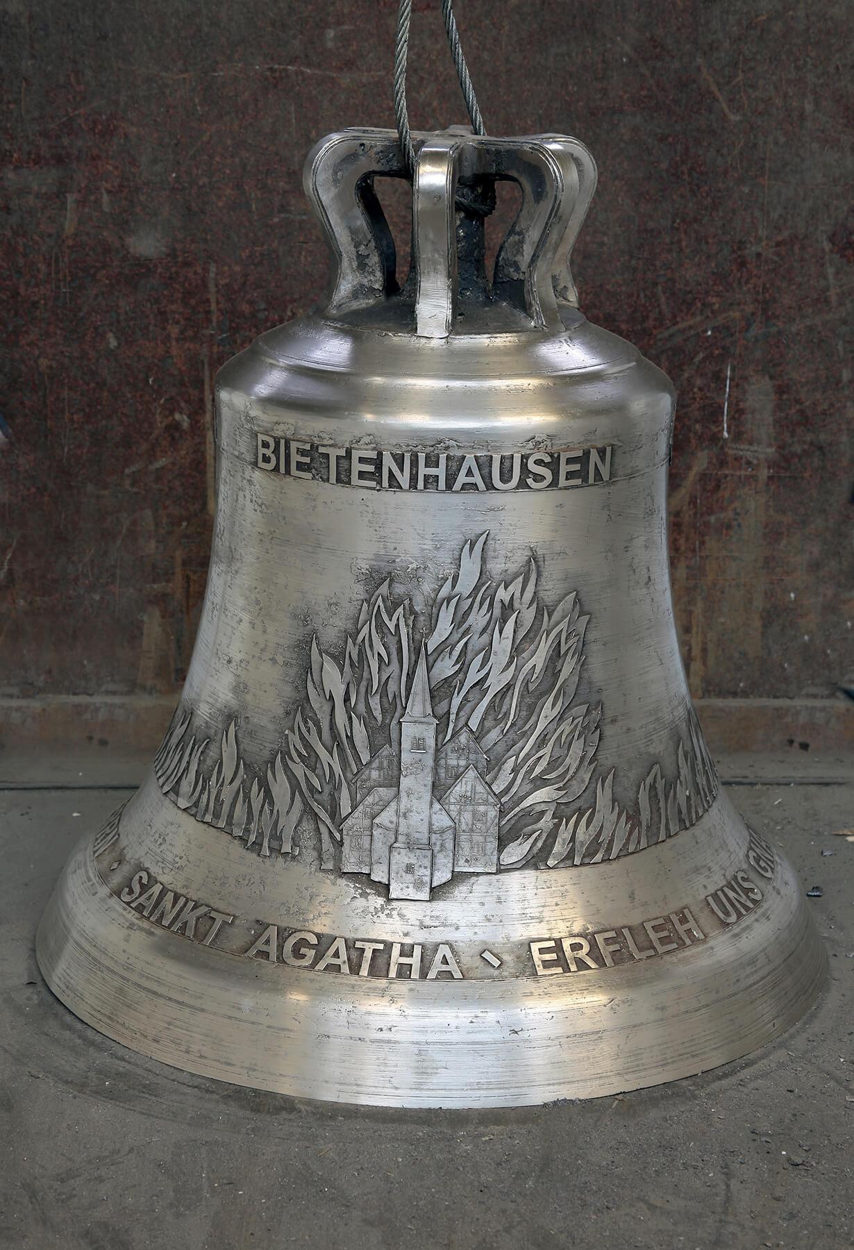 Barbara Jäger OMI Riesterer Werke in Kirchen Glockenzier St. Agatha Bietenhausen