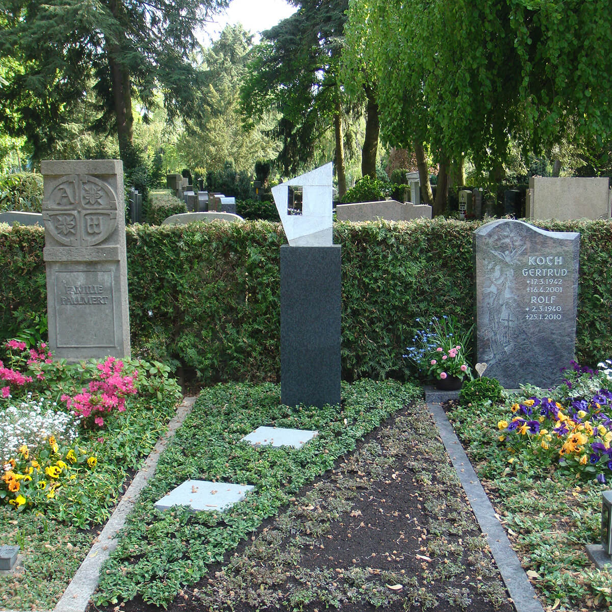 Bildhauer OMI Riesterer Karlsruhe Projekte Fenster zum Licht Hauptfriedhof