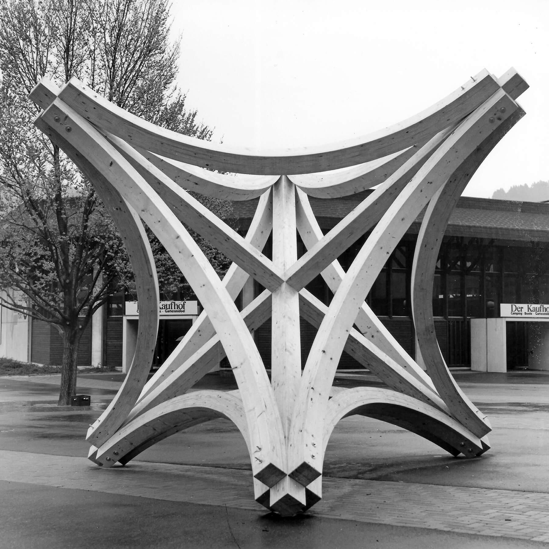 Bildhauer OMI Riesterer Karlsruhe Projekte Großer Knoten Deutscher Holzbautag Freiburg