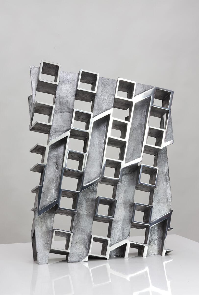 Bildhauer OMI Riesterer Skulpturen Große Wand Aluminium