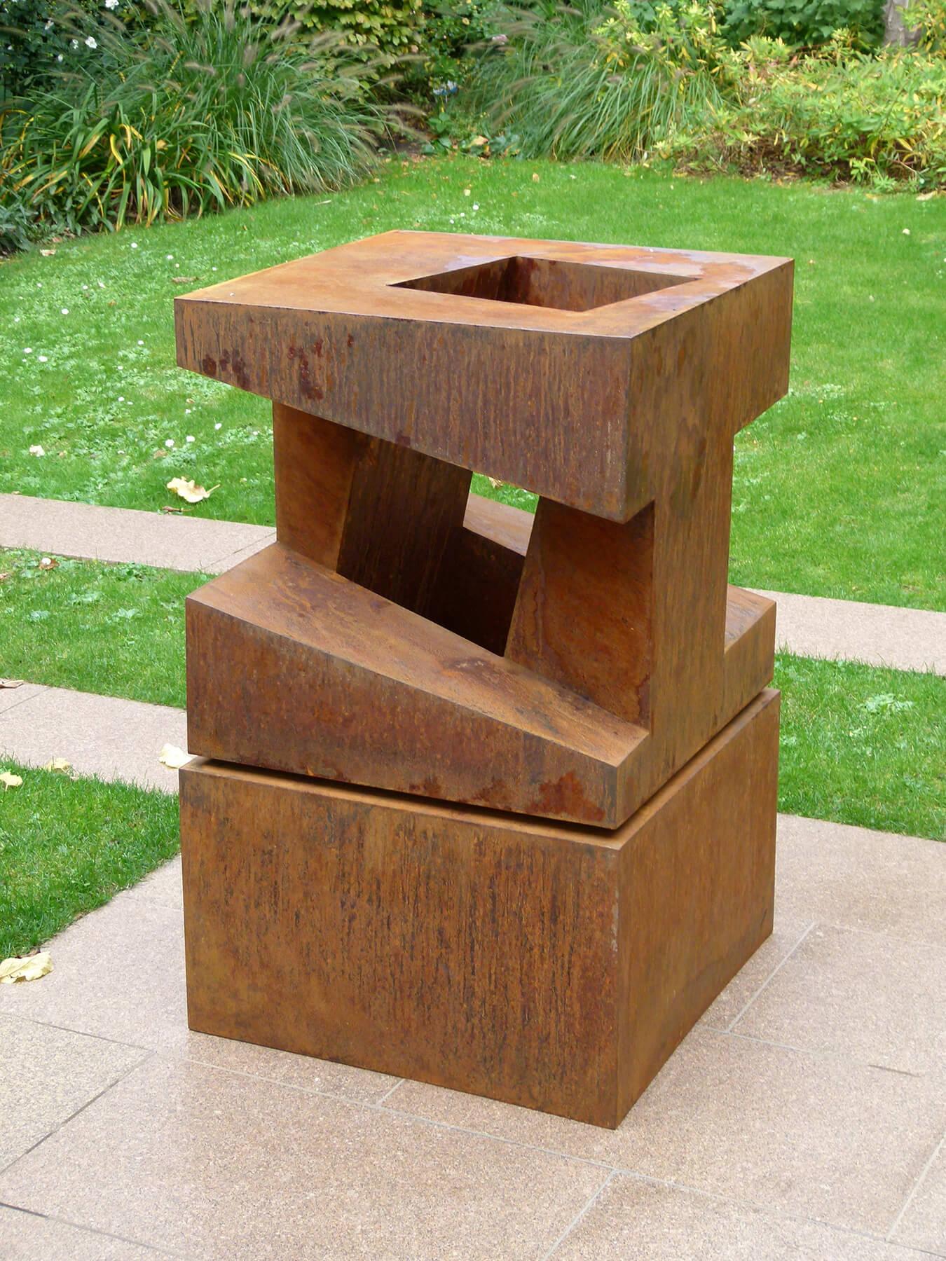 Bildhauer OMI Riesterer Skulpturen Stahlwürfel