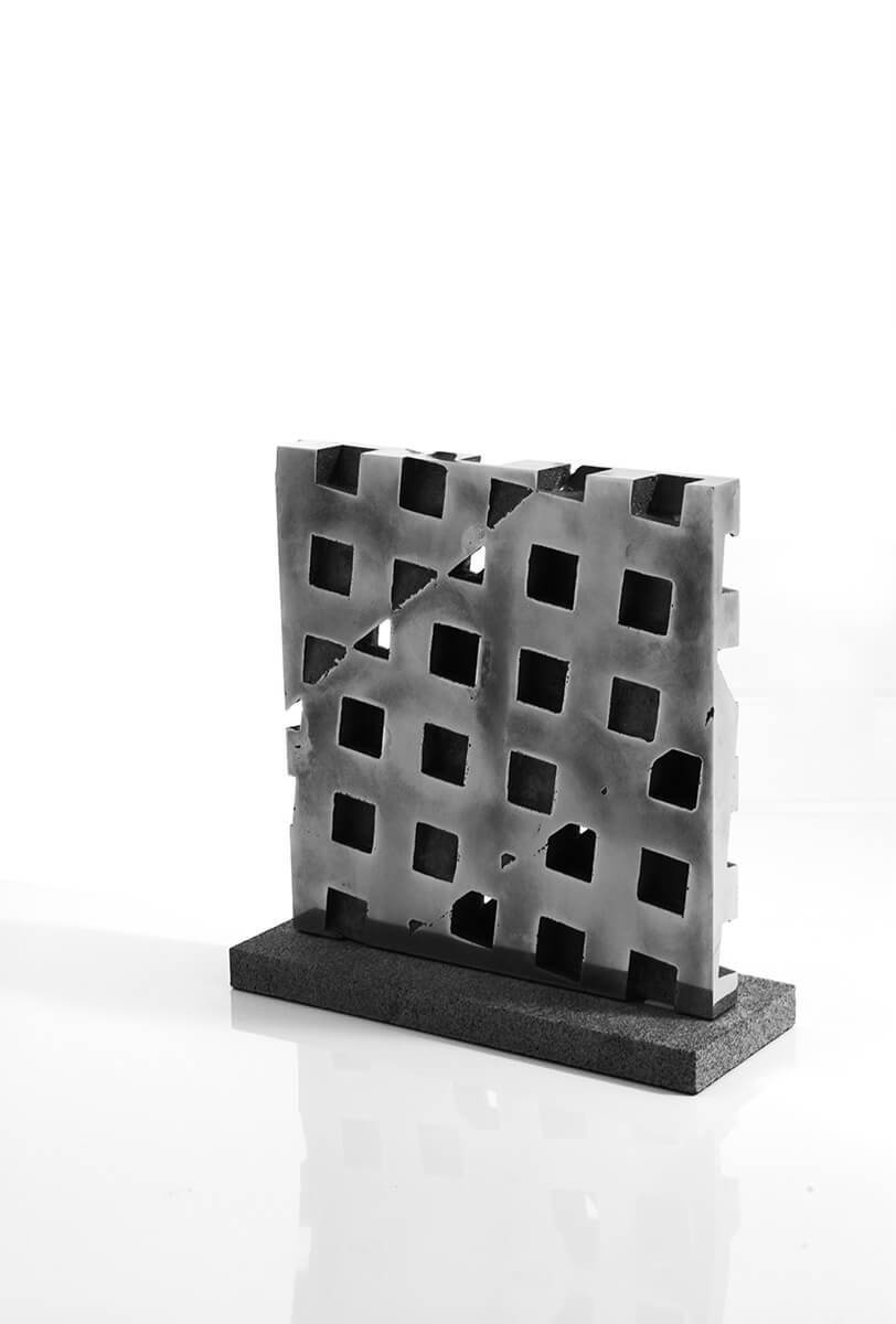 Bildhauer OMI Riesterer Skulpturen Wand Stahl