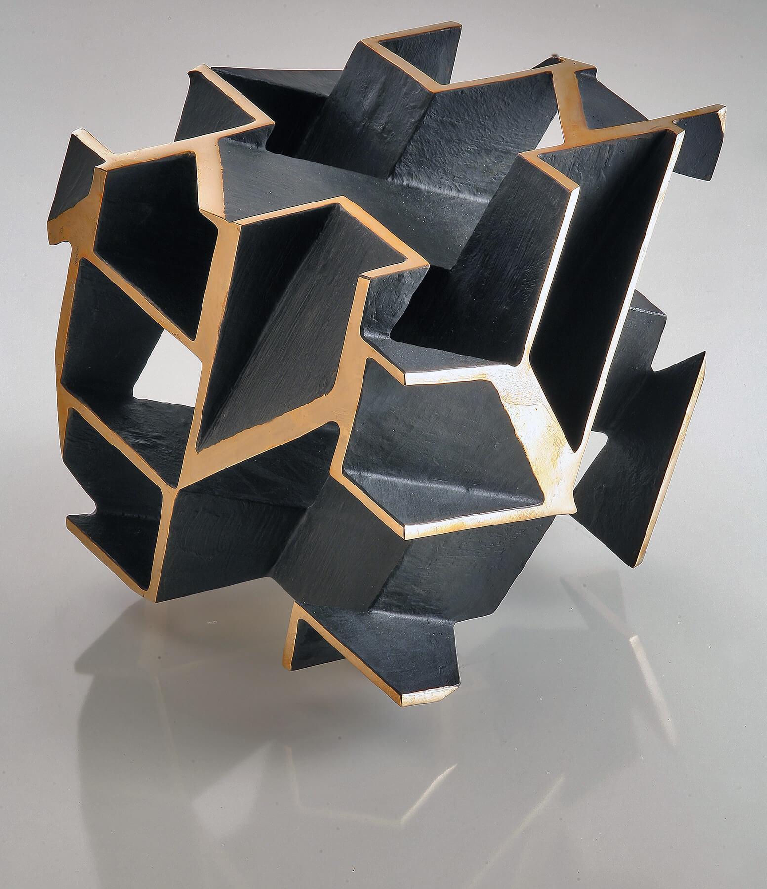 Bildhauer OMI Riesterer Skulpturen Hohlwürfel Bronze
